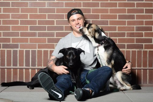 Gus-Kenworthy-Sochi-dogs-Mishka-and-Jake-X158695_TK1_009.jpg